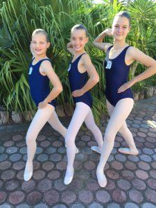 Grade 4 Mikayl-Leigh, Gabriella and Bianca